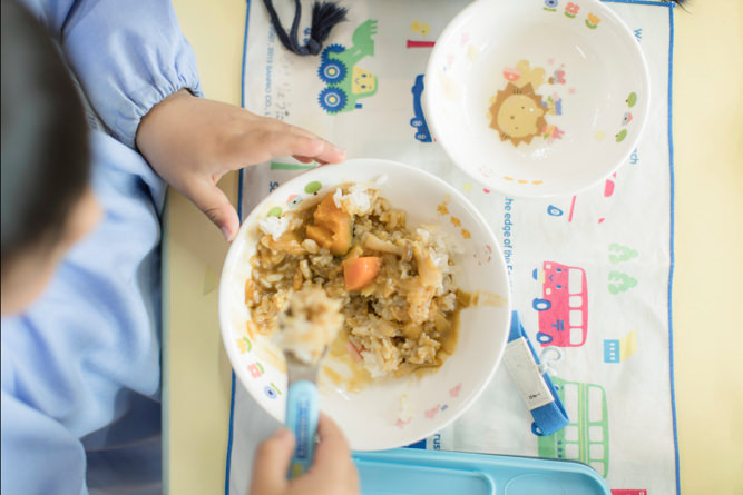 食事中風景3